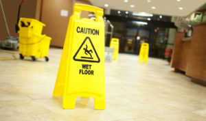 Our New York slip and fall lawyers list 7 tips to recover from injuries suffered in a slip and fall accident.